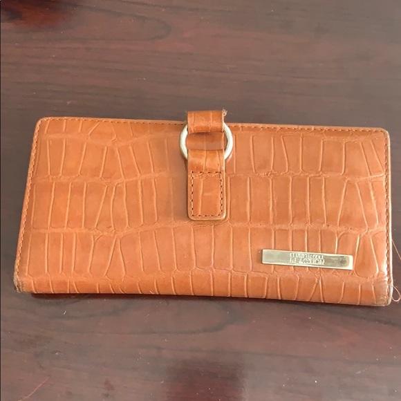Kenneth Cole Handbags - Woman wallet
